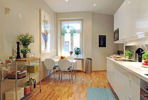 Charming and Bright Apartment with a Homey Feel_image