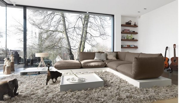 Living Rooms With Huge Windows_image