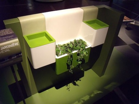Modern Planter by Royer and Thirion Keeps Plants Lively_image