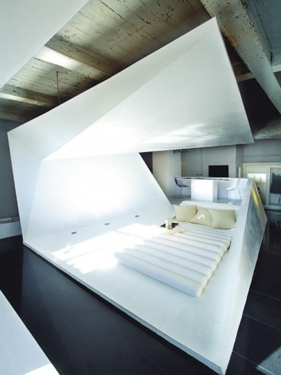 A Super Stylish Small Space Apartment_image