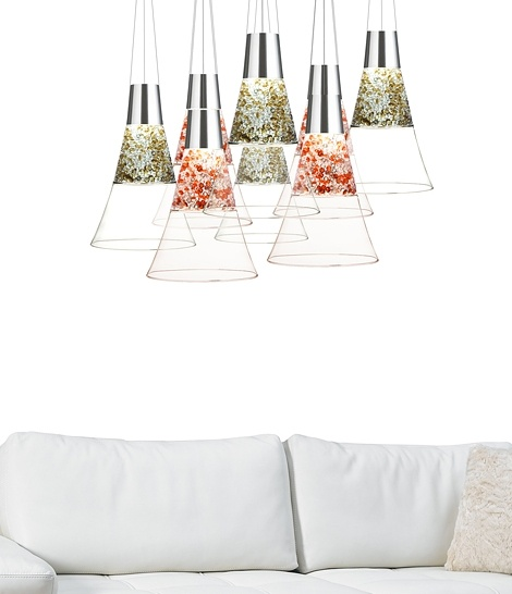 Crystal Lamps and Chandeliers Inspired By Champagne Glasses_image