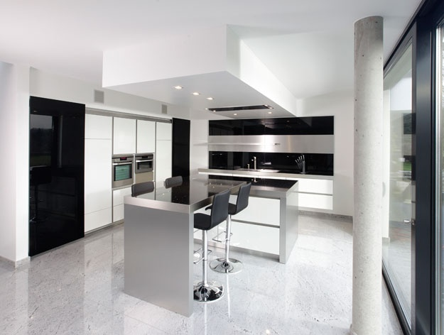 Black and White Kitchens Made by KitcheConcept_image