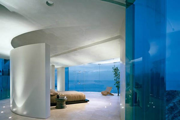 Astonishing Concrete and Glass Residence with Stunning Views of the Ocean_image