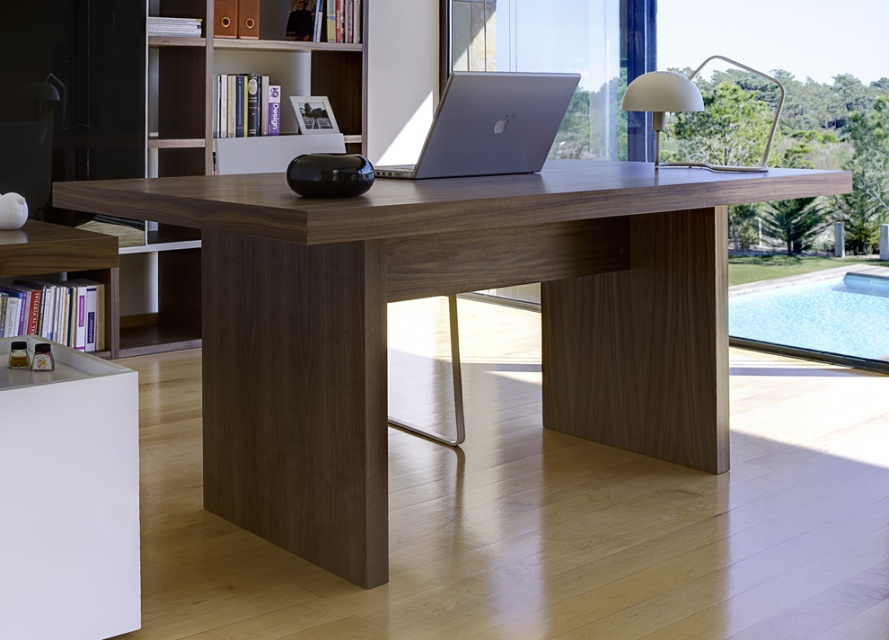 Perth contemporary dining table dining tables go modern for Dining room tables perth