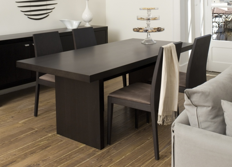 perth contemporary dining table dining tables go modern. Black Bedroom Furniture Sets. Home Design Ideas