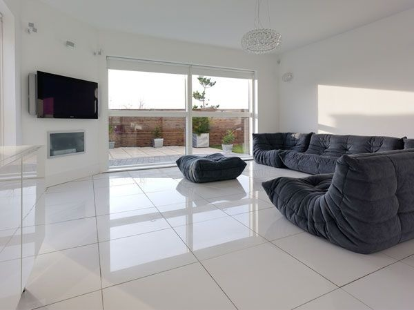 Thrilling Open Plan Living Rooms with a View_image