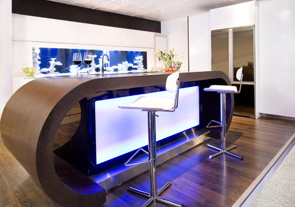 Modern Aquarium Kitchen With a Strong Visual Impact by Darren Morgan_image