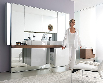 Mirrorwall opens up your bathroom environment_image