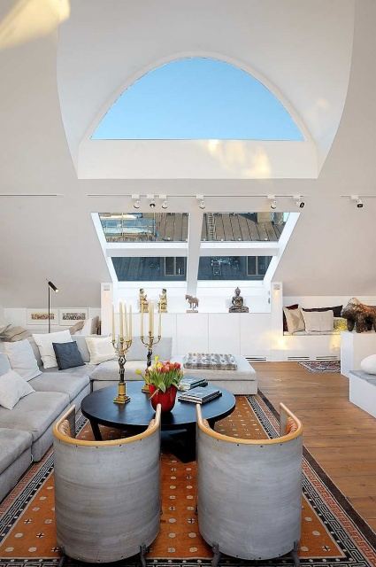High Ceilings Apartment in Stockholm_image