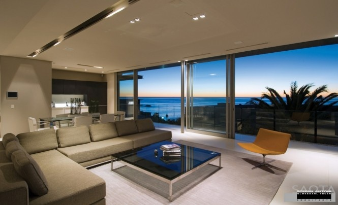 House with stunning views in Cape Town, South Africa_image