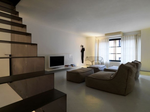 Furniture Style of a Downtown Loft in Milan_image