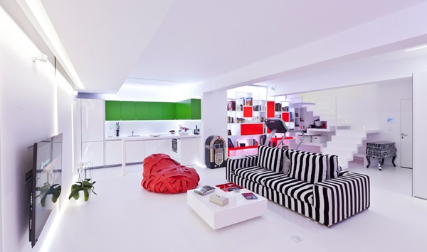 Optical Illusion in Apartment in Bucharest_image