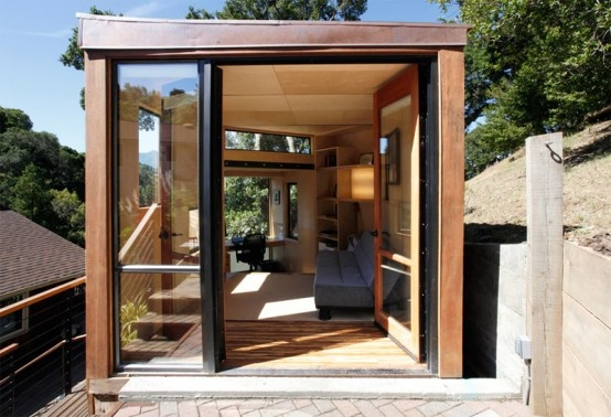 Modern and Sustainable Two-Level Home Office in a Yard_image