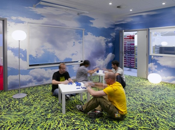Beautiful Offices of LEGO_image