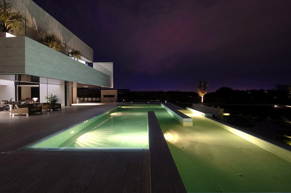 Modern Architectural Residence with Clean Design Lines: 19 Housing by A-Cero_image