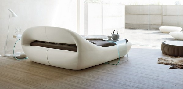 Contemporary Bed With Exquisite Design_image