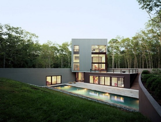 Cube House That Roots Itself To The Landscape and Has Amazing Swimming Pool_image