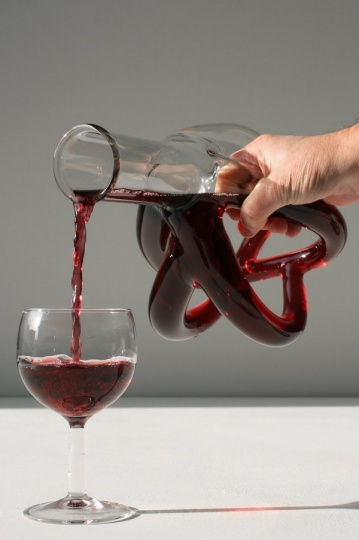 Let the Holiday Spirit Flow: Exquisite Wine Decanters from Etienne Meneau_image