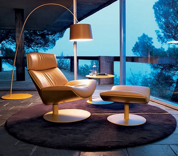 A Chair Designed to Impress: Kara Chair_image