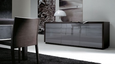 Lula sideboard (glass fronts)
