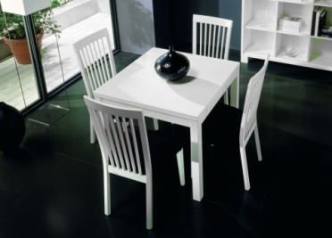 Replay Extending Dining Table _main_image