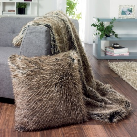 Raccoon faux fur cushion_main_image
