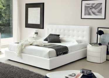 Lisa Upholstered Bed _main_image