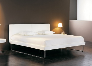 Nate Upholstered Bed _main_image