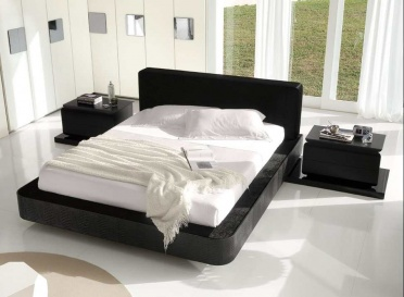 Domino Bed in Kaiman _main_image